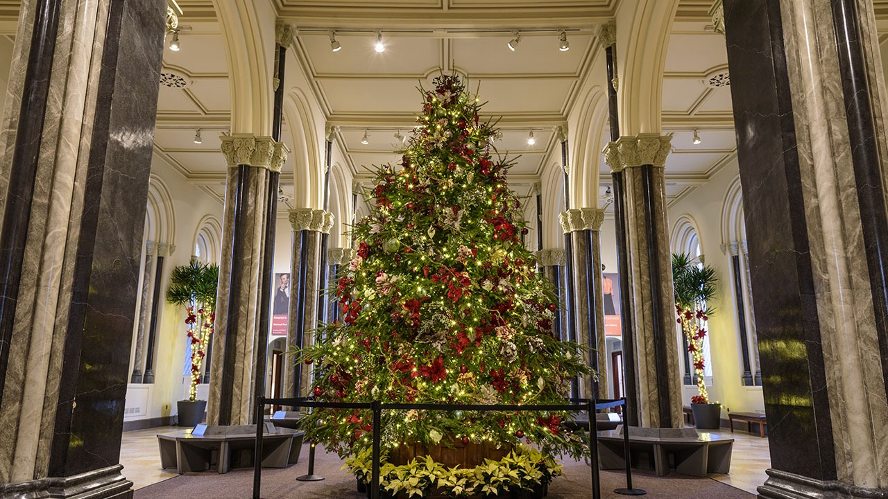 2016 Holiday decorations at the Smithsonian Institution Castle Building